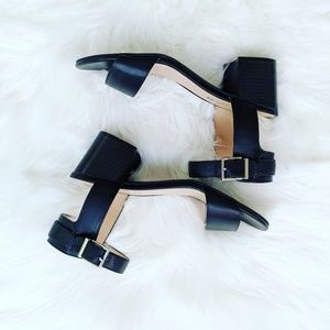 Unisa Like NEW Black Chunky Heel
